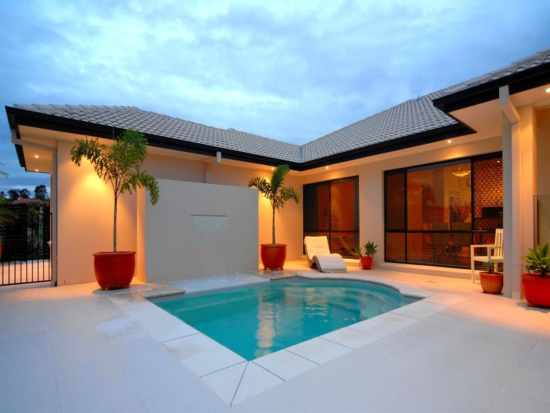 Courtyard Swimming Pools Ideal For Townhouses Small Areas