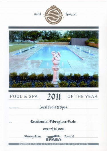 2011-gold-award-resid-fibrelgass-pools-over-40k-metro-award