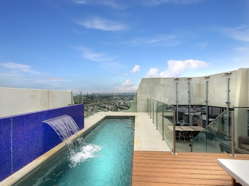 Local Pools and Spas Sydney Fibreglass Pool Builder NSW Compass Pools Fast Lane 6