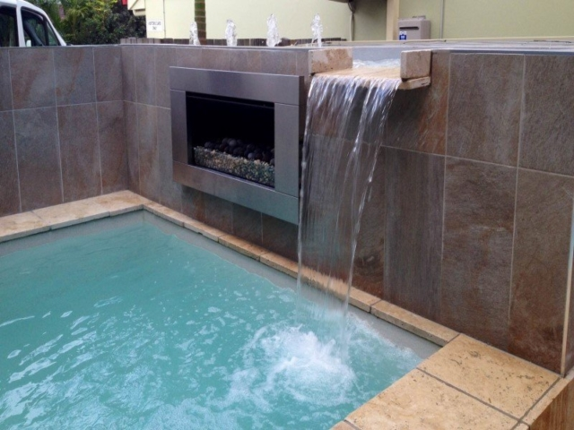 Local Pools and Spas Sydney Fibreglass Pool Builder NSW Compass Pools Plunge 5