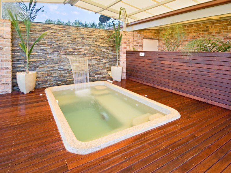Local Pools and Spas Sydney Fibreglass Pool Builder NSW Compass Spa Pools 3