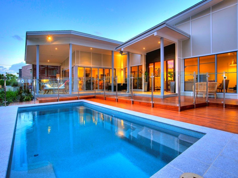 Local Pools & Spas Sydney - Fibreglass Swimming Pool Installation Ideas in NSW 3
