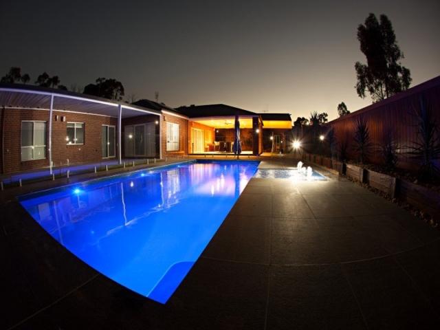 Local Pools & Spas Sydney - Fibreglass Swimming Pool Installation Ideas in NSW 5