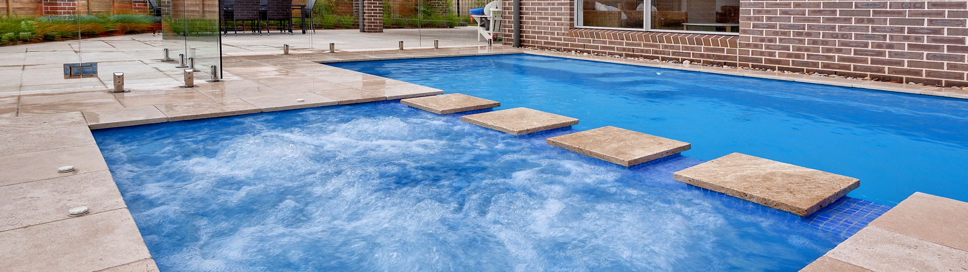 Selecting pool material - fibreglass or concrete
