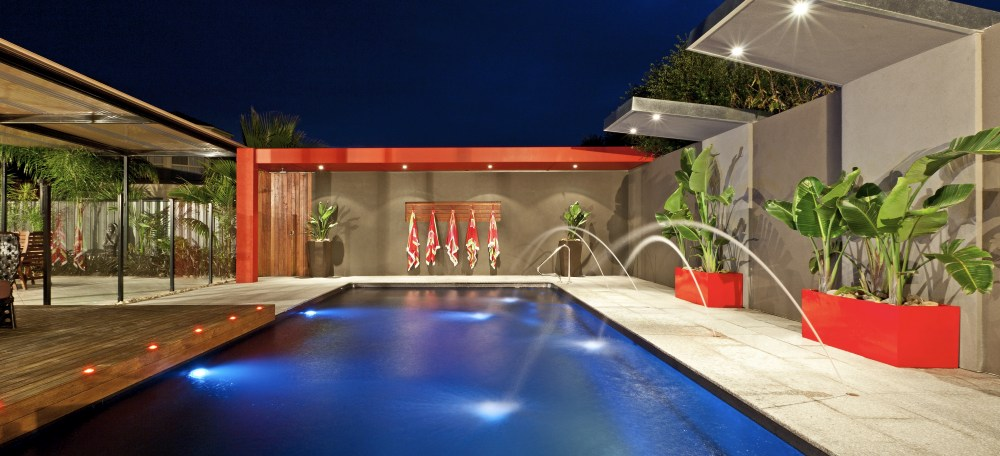 Benefits and types of pool lights